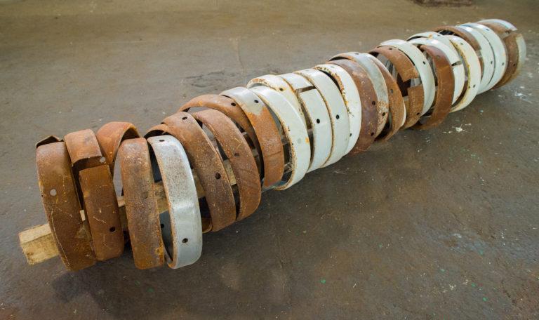 La bellezza nei processi di produzione: le opere di Olu Oguibe in mostra alla Galleria Giampaolo Abbondio di Milano