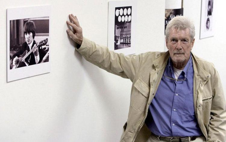 Addio a Robert Freeman. Il fotografo dei Beatles si è spento a 82 anni