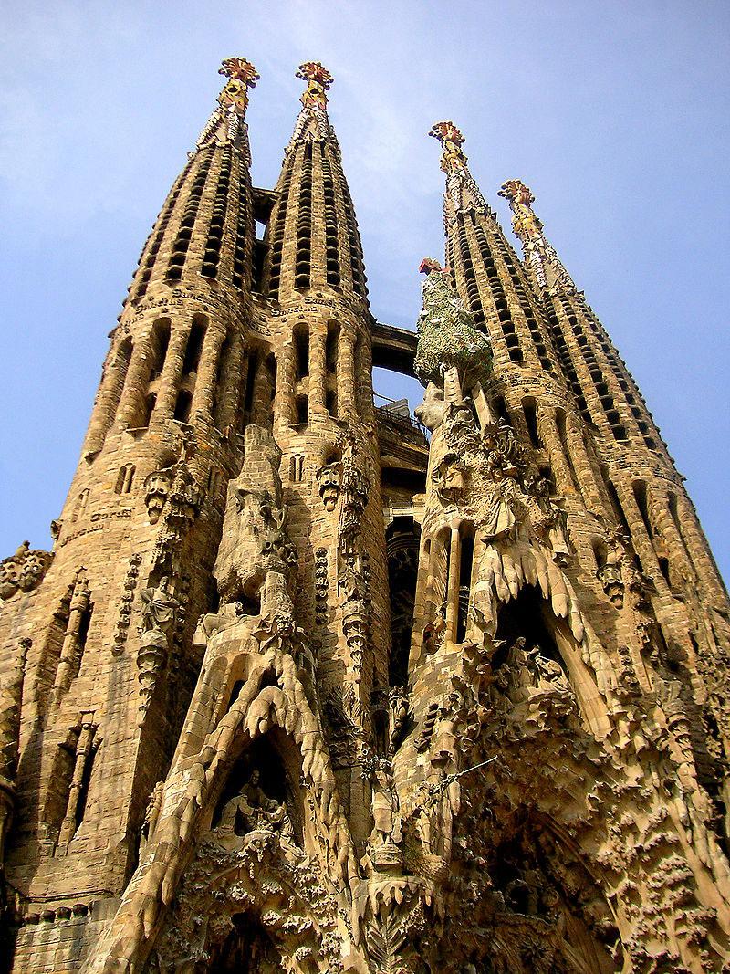 Arriva dopo 137 anni l'autorizzazione ufficiale di costruzione della Sagrada Familia