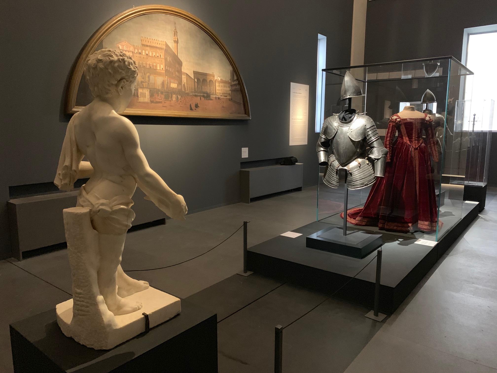 Uffizi, l'omaggio a Cosimo I comincia con la mostra sui cento lanzi del principe