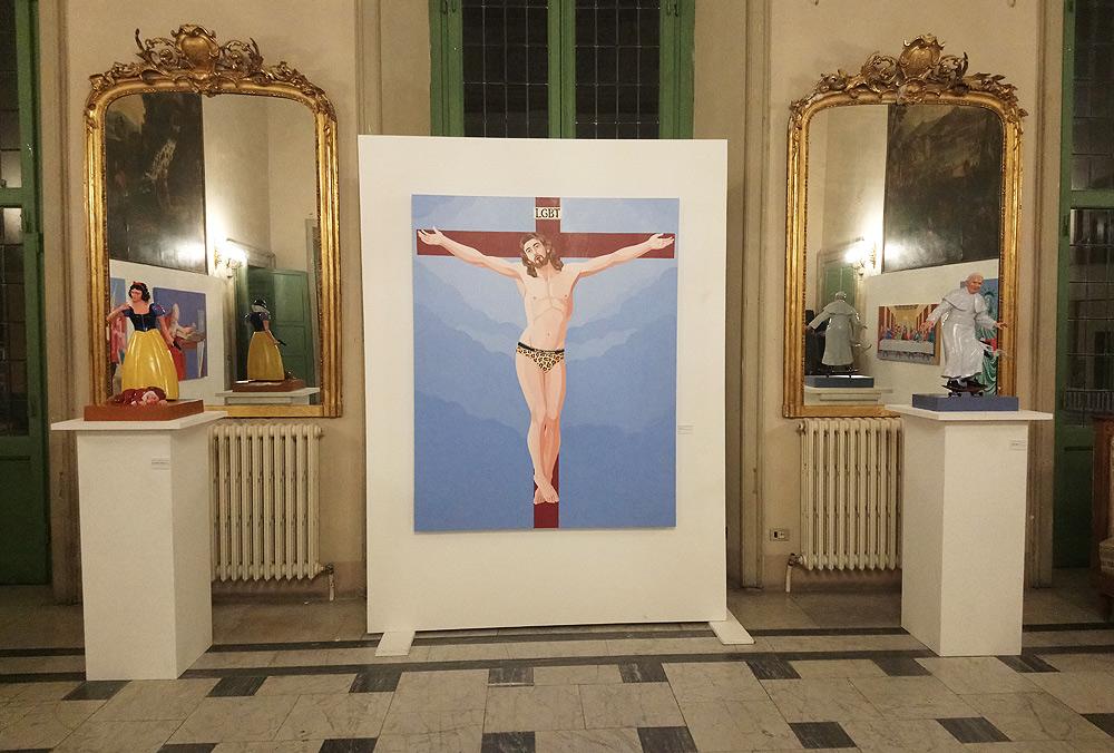 """Massa, vescovo si scaglia contro la mostra di Veneziano: """"oltraggio, non è liberta d'espressione, il Comune non doveva permettere"""""""