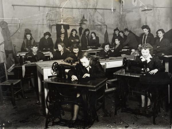 Lavoro femminile e industria: una mostra fotografica a Bologna