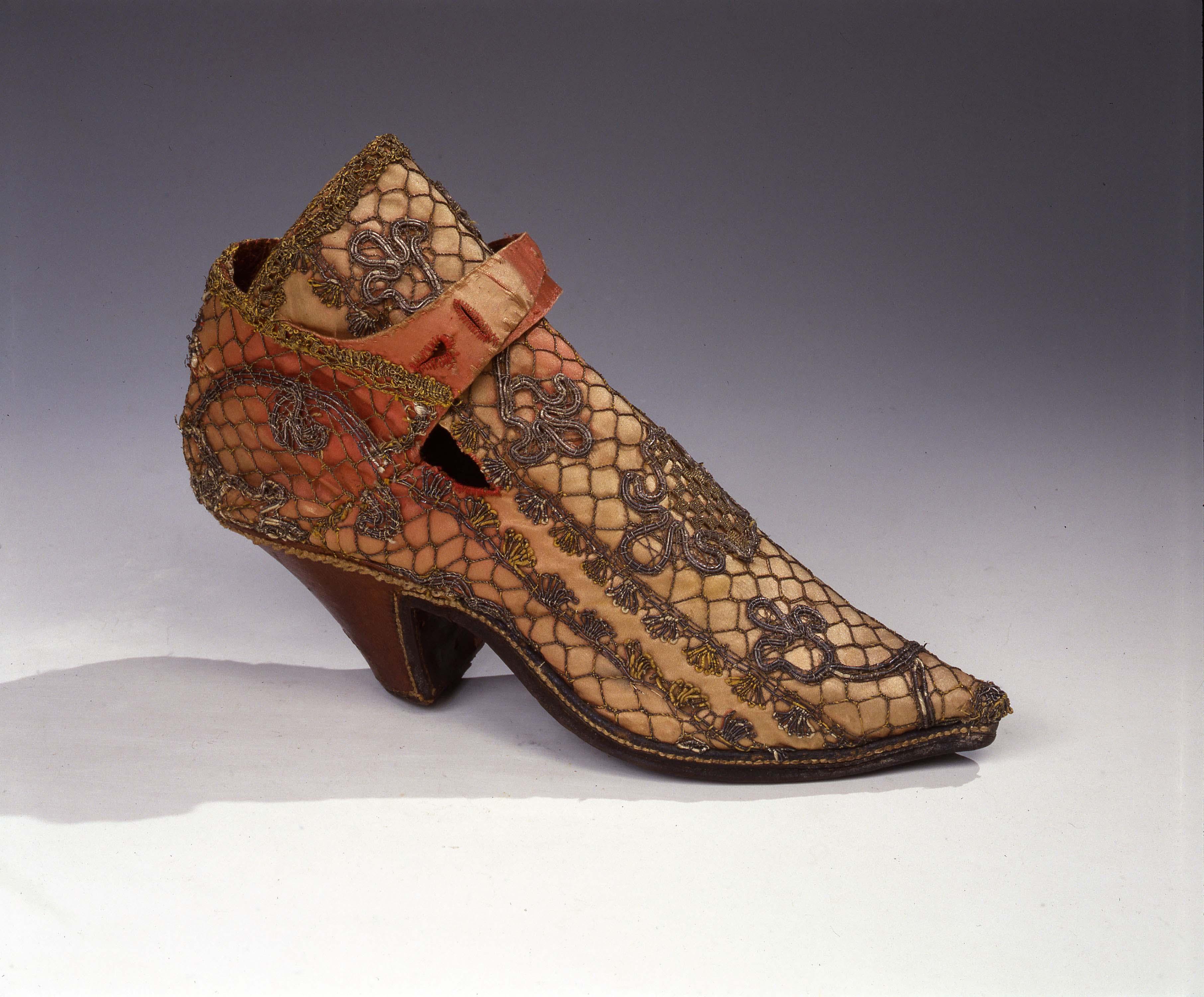 Rimandi tra arte e alta moda nel Seicento: disegni e abiti in mostra a Palazzo Davanzati, Firenze