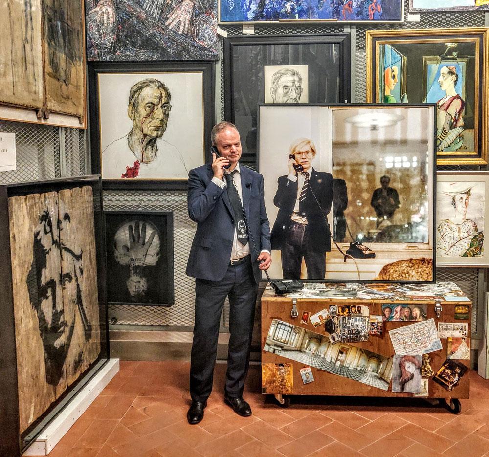 """Eike Schmidt invita Ed Sheeran, i Cure e gli altri agli Uffizi. """"Chi è più rock di Caravaggio? Venite al museo!"""""""