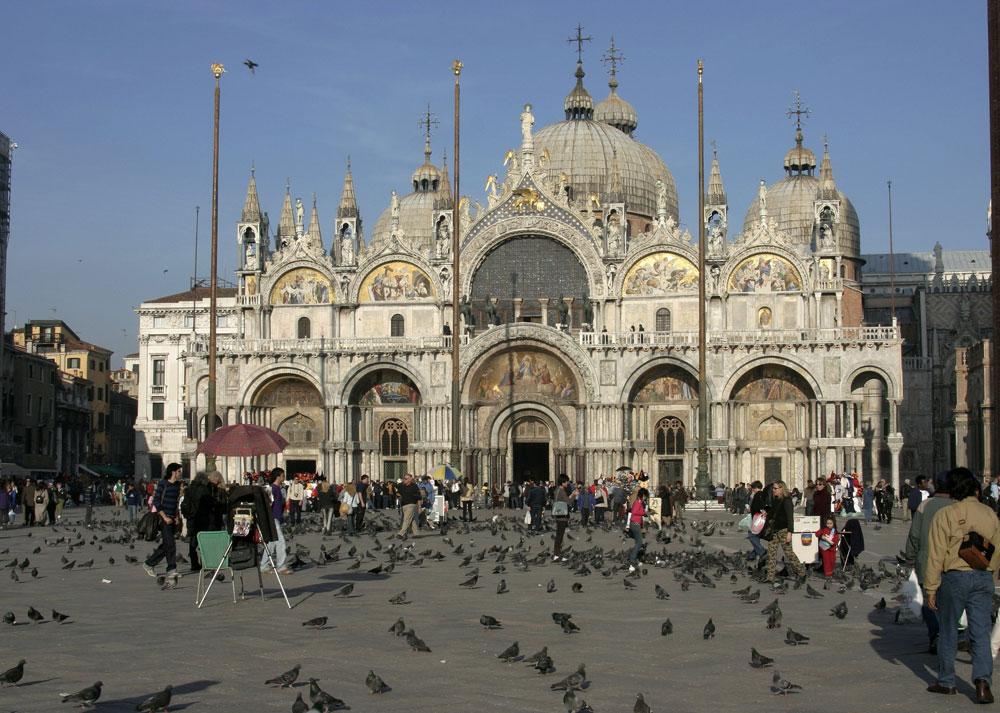 Venezia, stabilite le regole del ticket d'accesso. Da maggio si pagheranno 3 euro per entrare in città, aumenti nel 2020