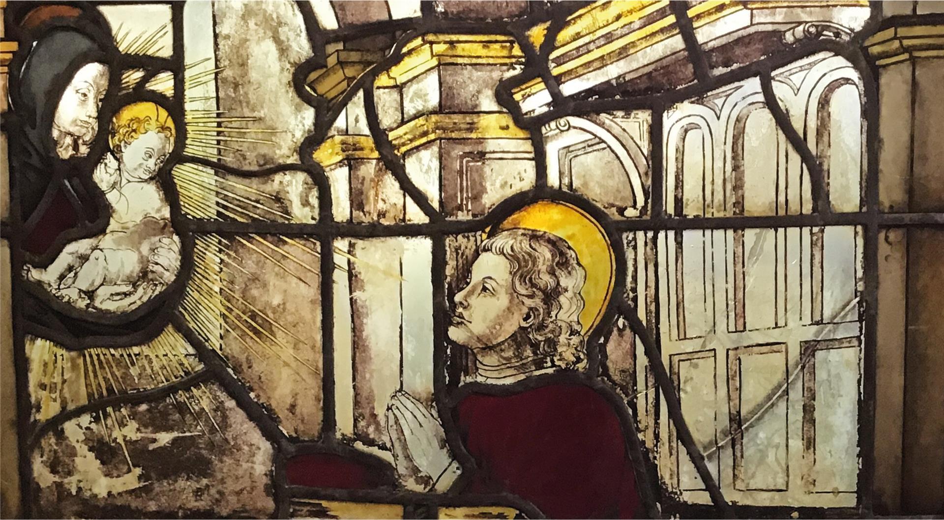 Milano: visitabile il restauro della Vetrata 25 del Duomo