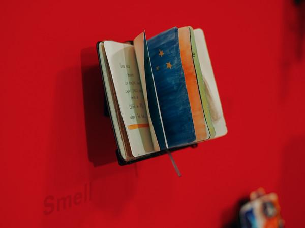 A Venezia una mostra di opere realizzate da 25 rifugiati su taccuini Moleskine