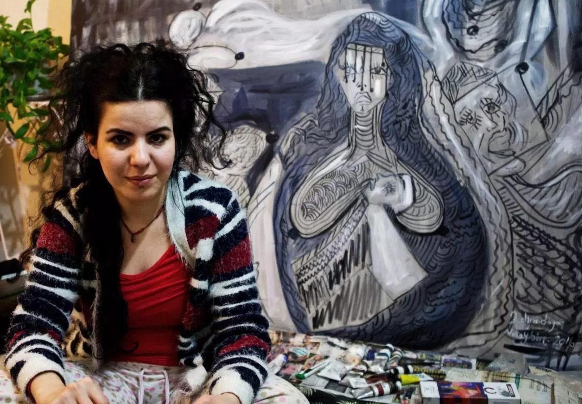 Brescia, l'artista curda Zehra Doğan in mostra con le opere che raccontano la sua esperienza nelle carceri turche