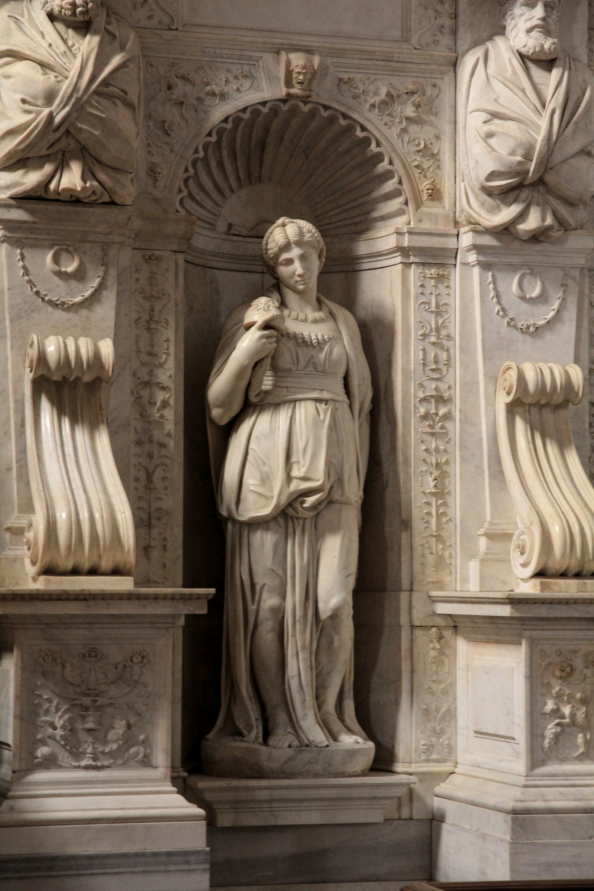 Michelangelo Buonarroti, Lia (1542 circa; marmo, altezza 197 cm; Roma, San Pietro in Vincoli). Ph. Credit Jörg Bittner Unna