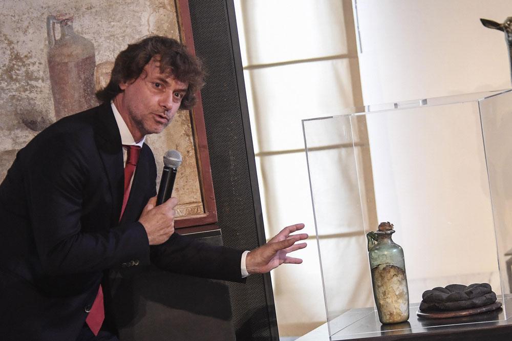 Alberto Angela aveva ragione: al Mann c'è l'olio d'oliva più antico della storia