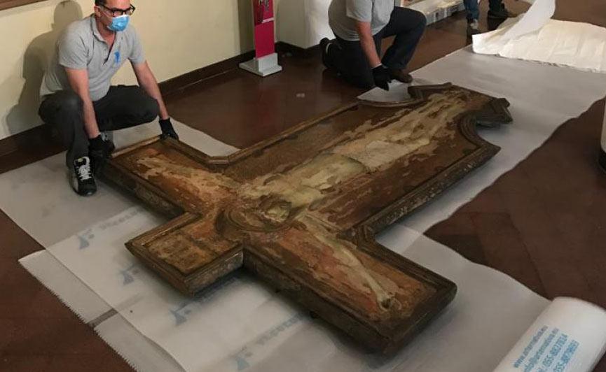 Siena, via al restauro della Croce del Carmine di Ambrogio Lorenzetti, capolavoro trecentesco