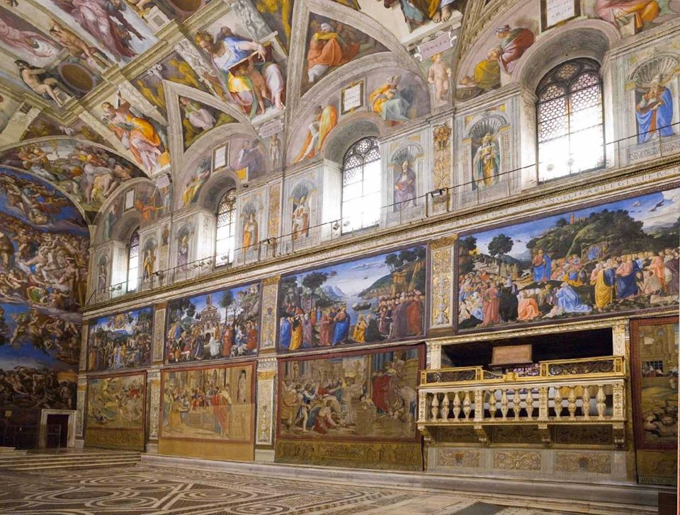 Gli arazzi di Raffaello tornano nella Cappella Sistina: non succedeva da 37 anni. Ma sarà solo per una settimana