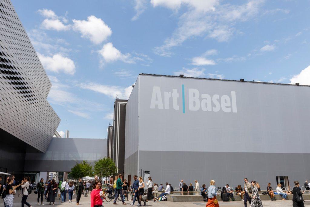 Art Basel si arrende al coronavirus: salta l'edizione 2020, appuntamento all'anno prossimo