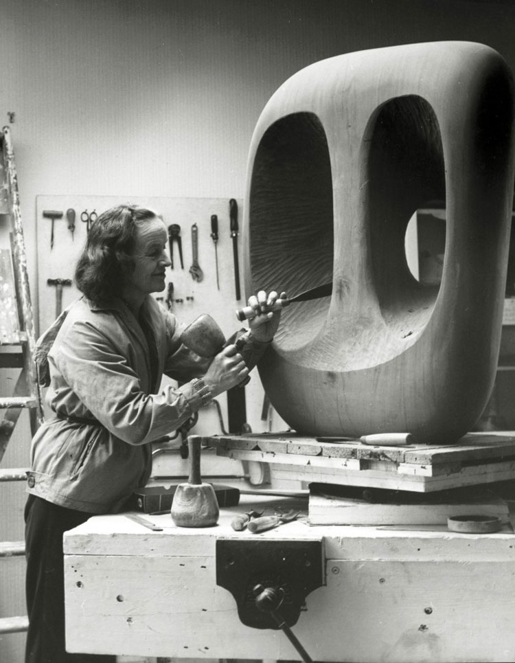 Barbara Hepworth, la scultrice a cui è dedicato il doodle di oggi
