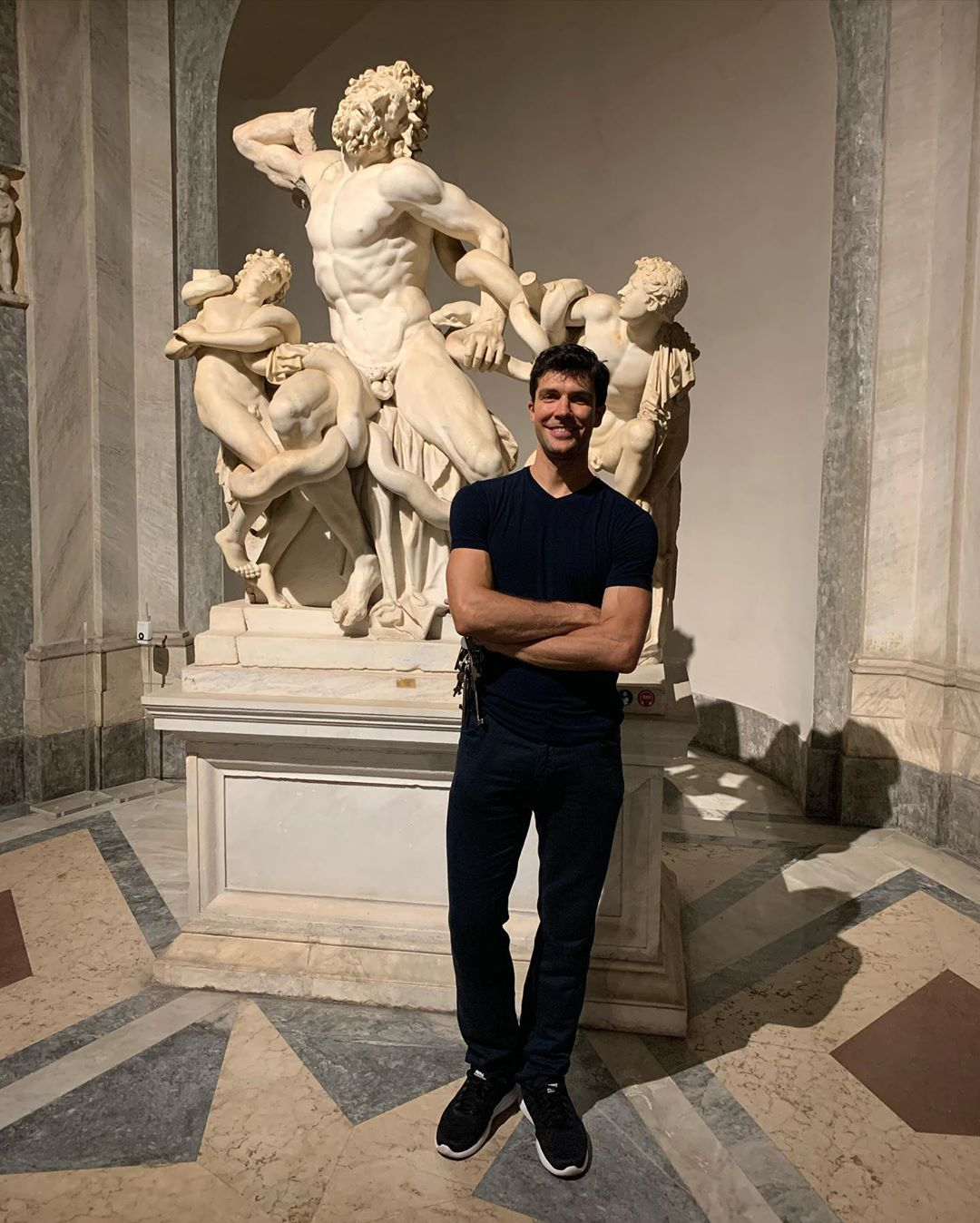 Roberto Bolle visita i Musei Vaticani e chiude la Cappella Sistina