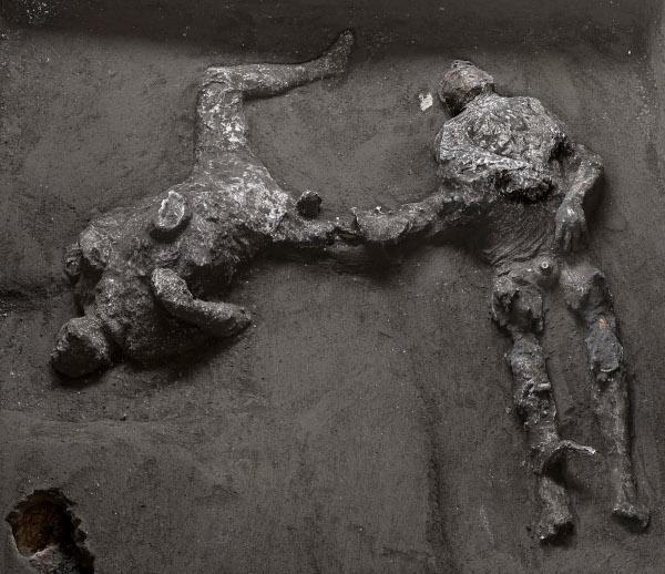 Pompei, dagli scavi di Civita Giuliana emergono i resti di due vittime dell'eruzione
