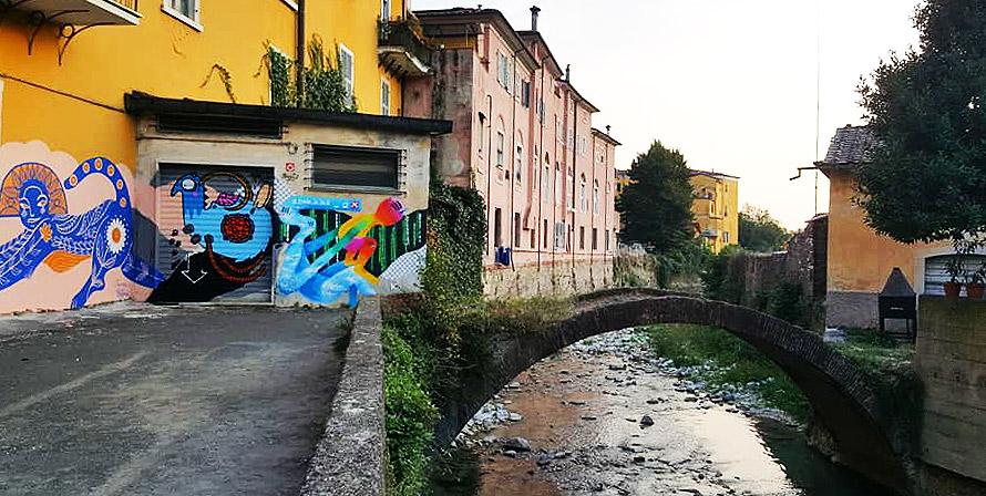 A Carrara c'è un vicolo pieno di opere di street art che lo hanno risollevato dal degrado