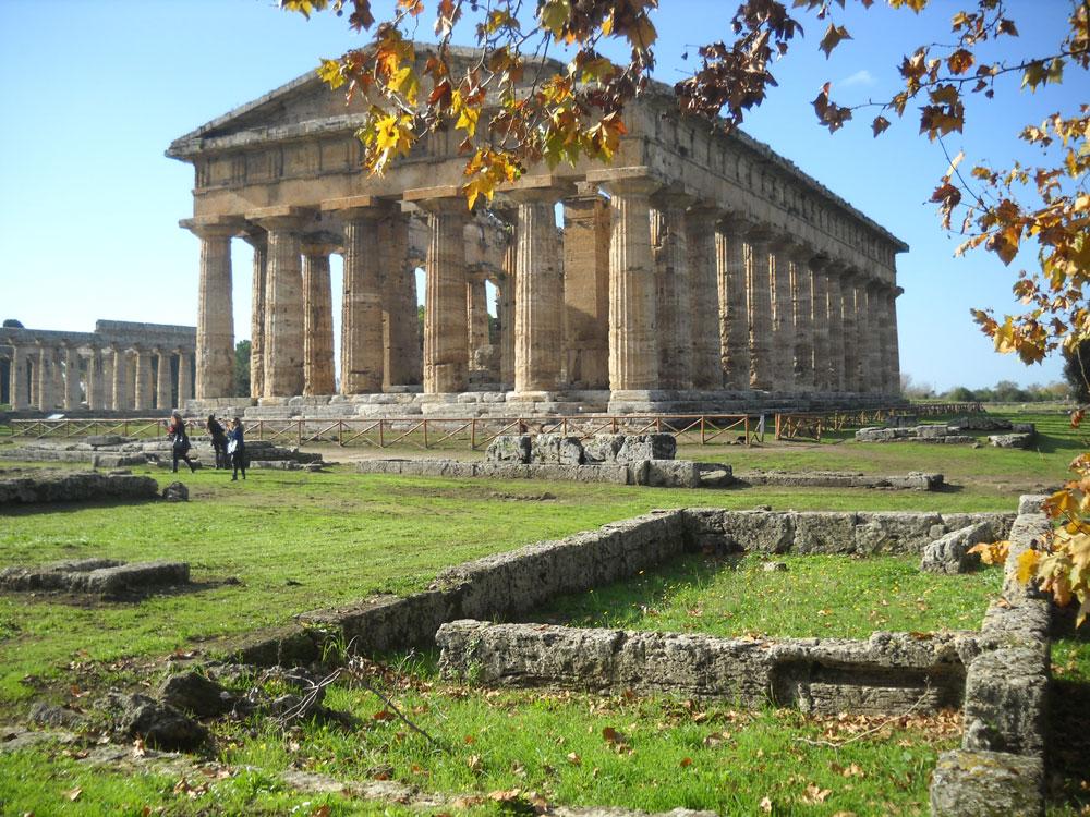 Da oggi l'intero patrimonio di Paestum è in rete. Online il nuovo catalogo digitale.