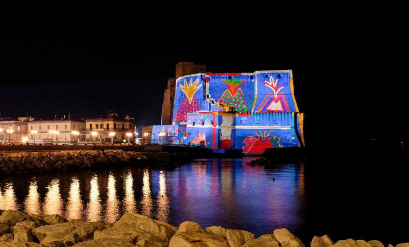 Castel dell'Ovo s'illumina con i temi della Smorfia e della cultura napoletana