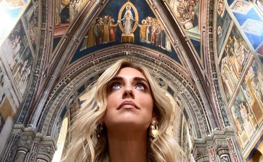 La Ferragni ora gira i siti culturali della Puglia. E riceve inviti bipartisan