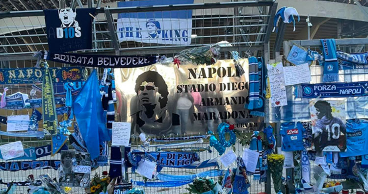 Napoli, il Museo Filangieri allestisce una mostra con i cimeli di Maradona