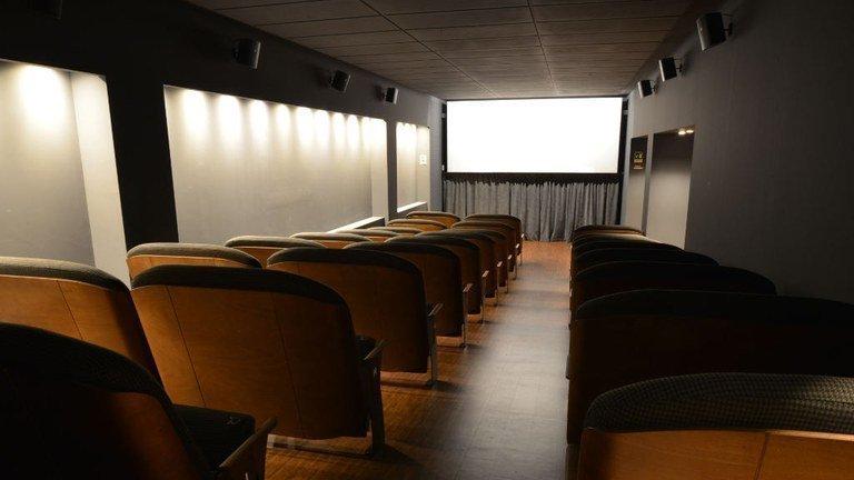 Cinema e teatri, artisti e lavoratori lanciano una petizione per chiedere di non chiuderli