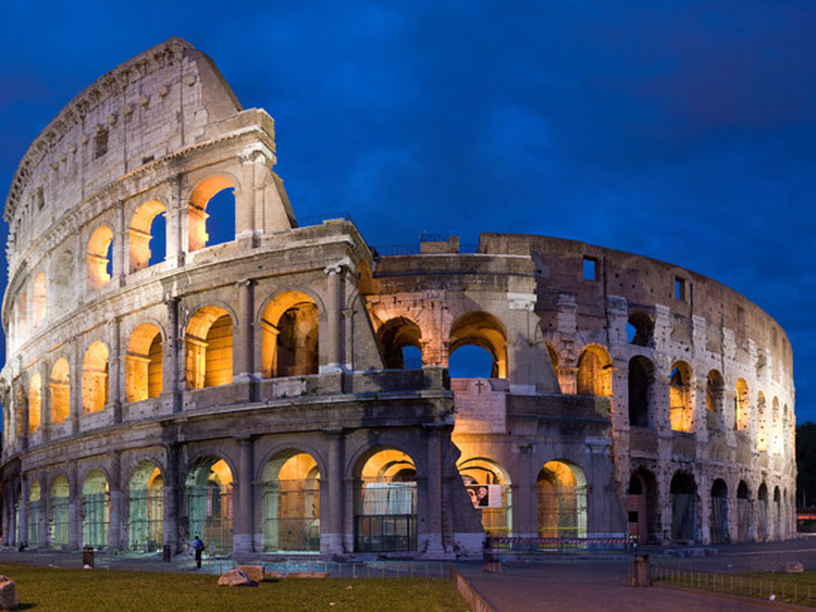 Torna la Luna sul Colosseo. Un percorso insolito per scoprire i graffiti ritrovati