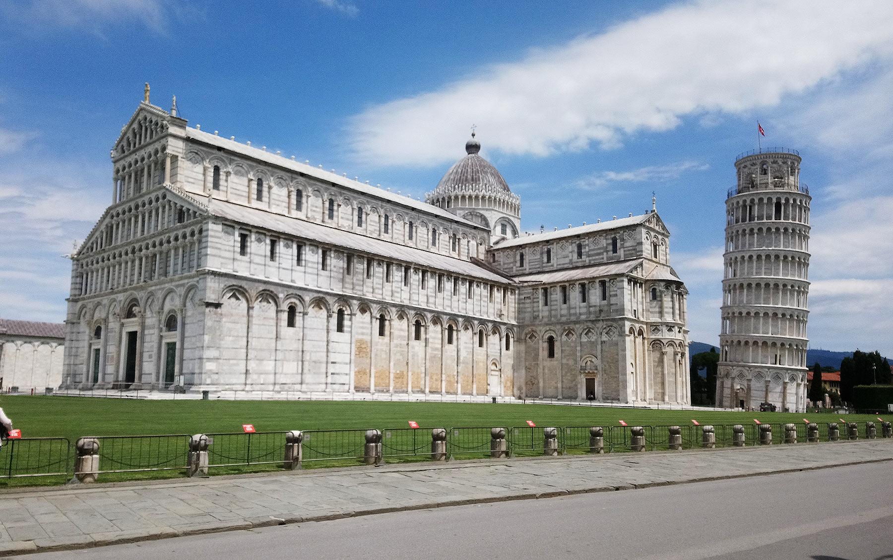 """Pisa, riaprono i monumenti di piazza dei Miracoli (con gratuità): """"diamo un segnale di fiducia e speranza"""""""