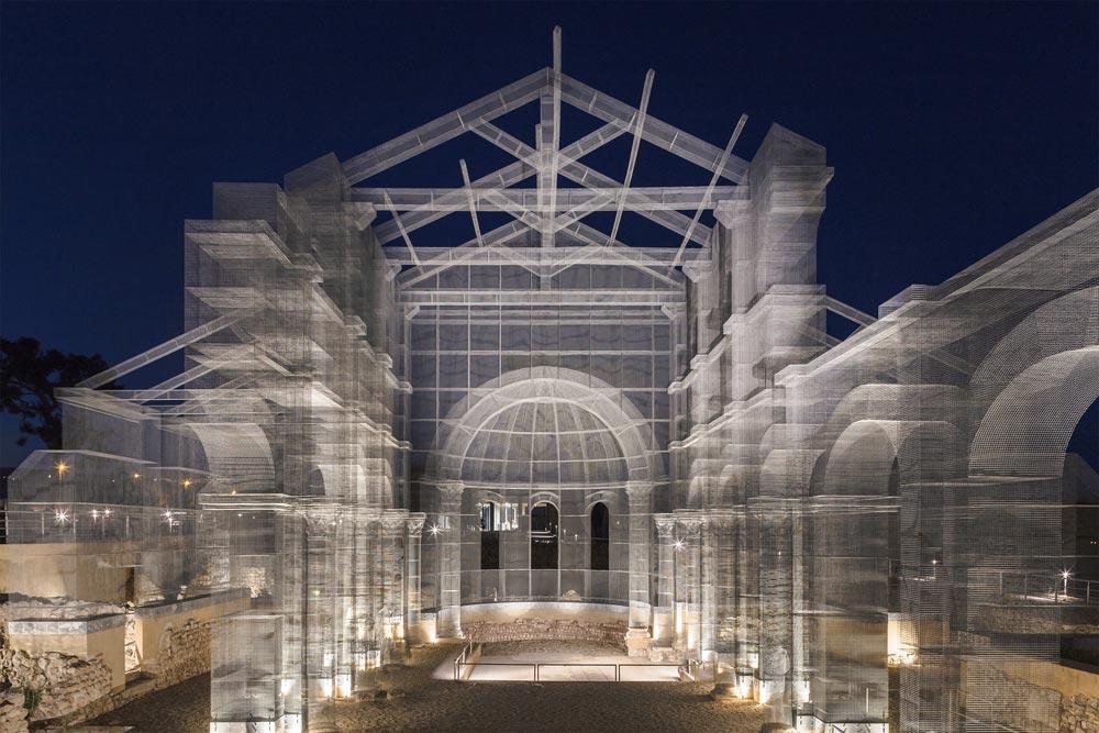 Edoardo Tresoldi realizzerà un colonnato di rete metallica permanente a Reggio Calabria