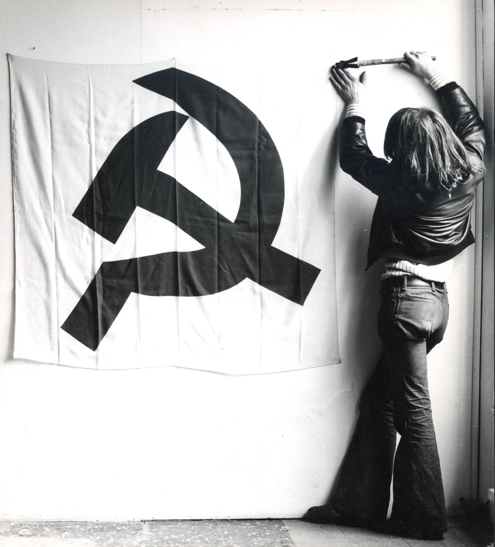 L'arte contribuisce alla lotta di classe? A Milano ricostruita la mostra di Mari del '73