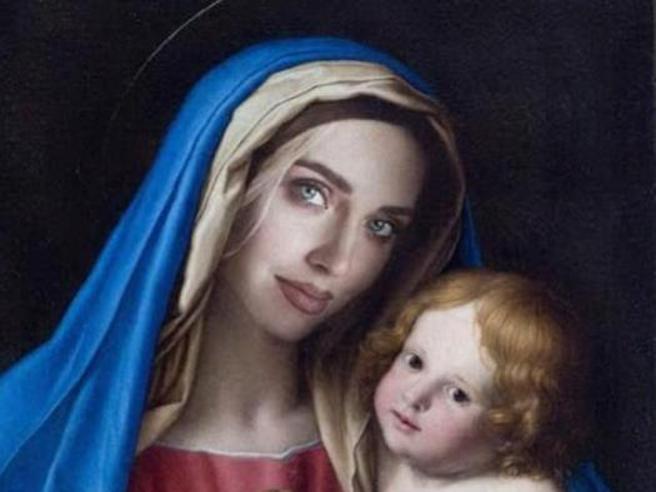Chiara Ferragni come la Madonna: il Codacons presenta un esposto in procura per blasfemia