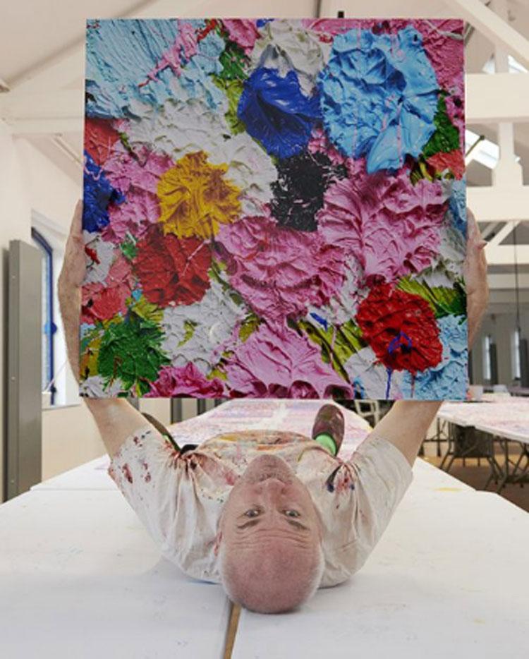 Damien Hirst, Fondazione Prada e Save the Children uniti per l'educazione in Italia