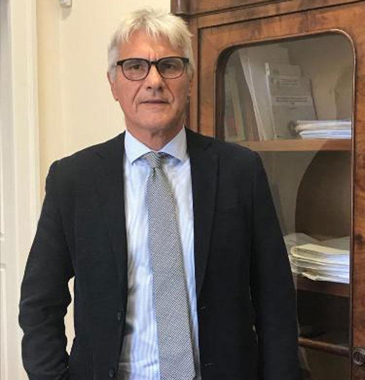 Nominato il nuovo direttore della Biblioteca Nazionale di Napoli: è Gabriele Capone