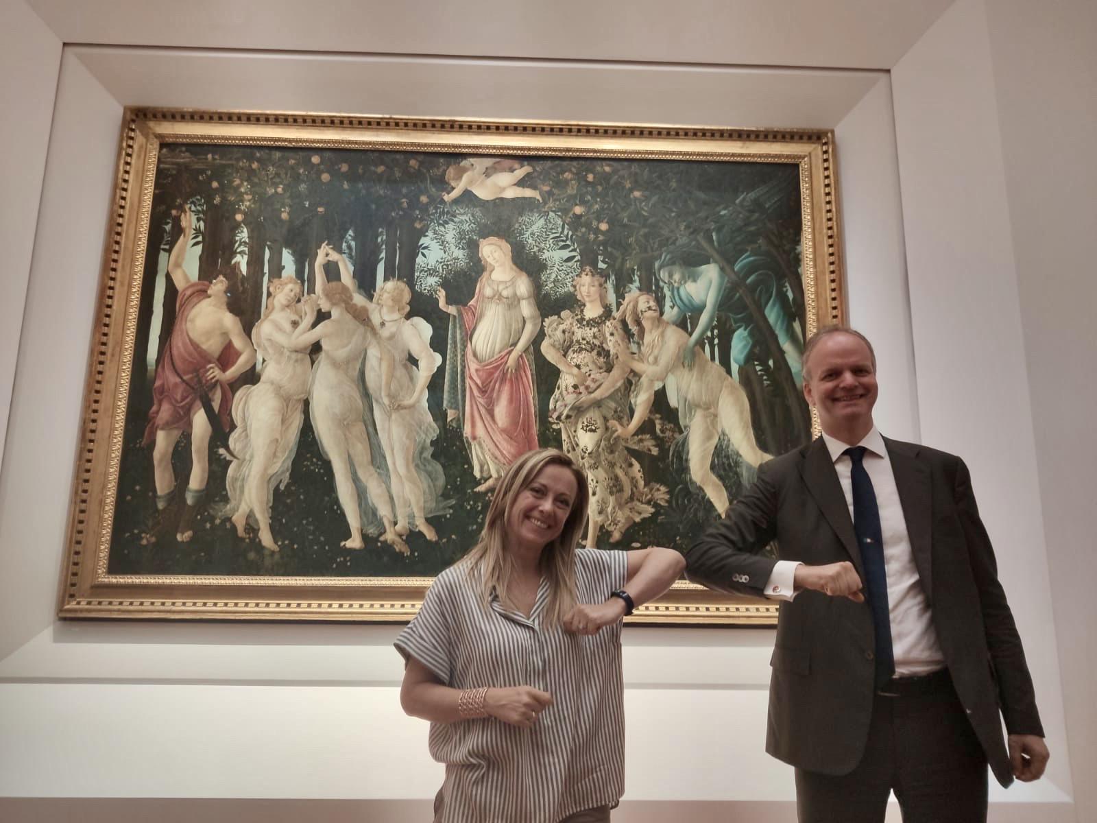 Giorgia Meloni agli Uffizi: e se visitare i musei diventasse un'abitudine per i politici?