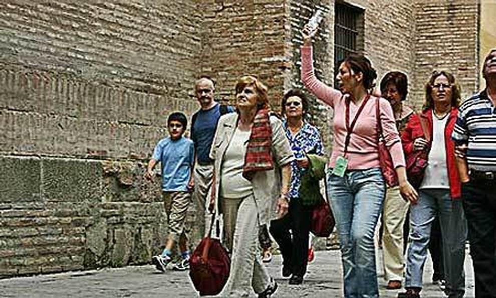 Sindacati guide turistiche chiedono al governo 1000 euro al mese fino a marzo e niente tasse e contributi per il 2020