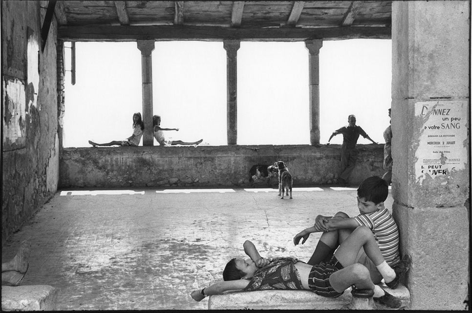 Venezia, a Palazzo Grassi una grande mostra su Henri Cartier-Bresson curata da cinque personalità dell'arte