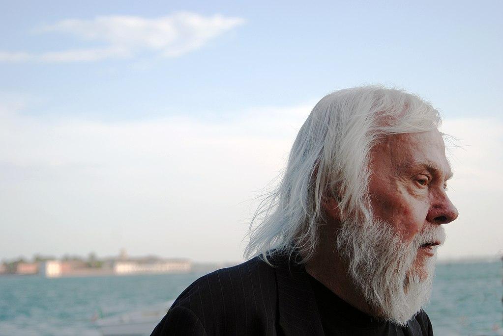 Addio a John Baldessari, uno dei più grandi artisti statunitensi