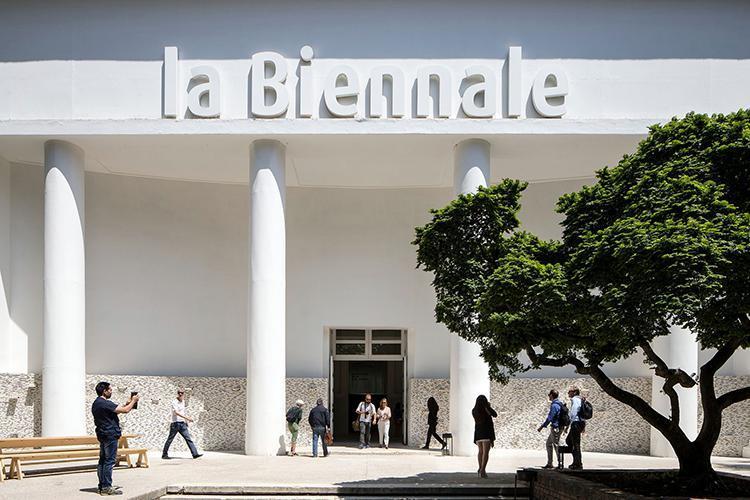 La Biennale di Venezia compie 125 anni. E festeggia con una mostra sulla sua storia