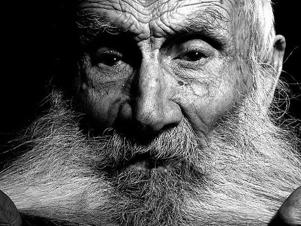 I centenari della Sardegna nelle fotografie di Luigi Corda: la mostra a Milano