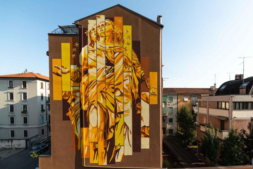 Milano, la Madunina diventa opera di street art con gli Orticanoodles