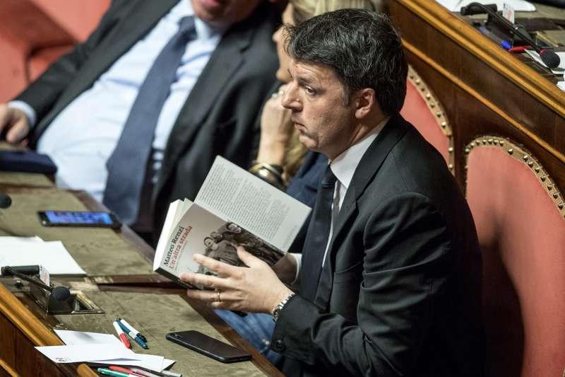 Singolare azione di sensibilizzazione sulla lettura: i traduttori regalano libri ai politici