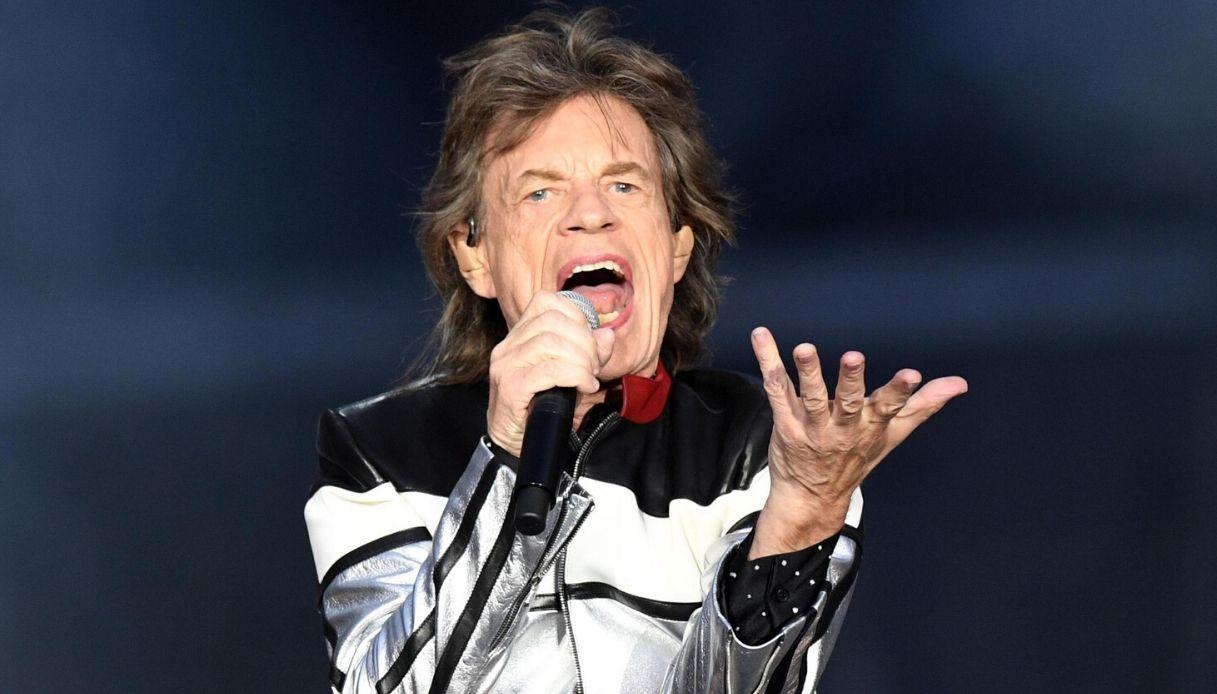 Mick Jagger visita il Duomo di Siena... in coda come un normale turista