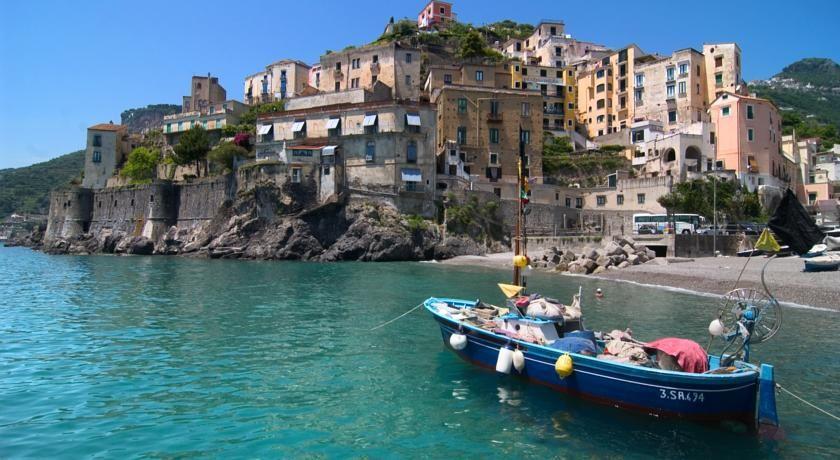 Tunnel nella Costiera Amalfitana: il progetto fa discutere cittadini e politica