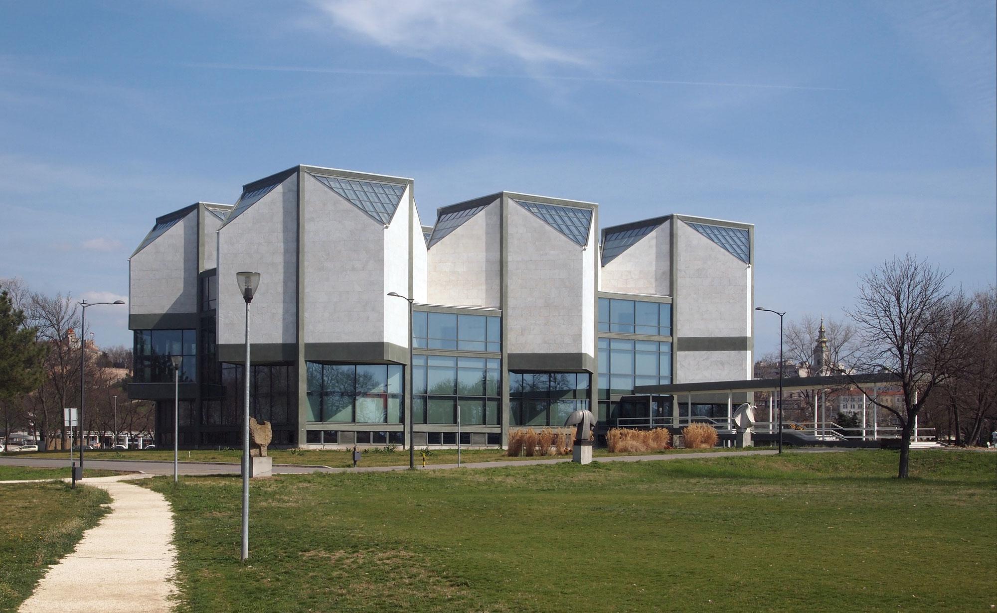 Il Museo d'Arte Contemporanea di Belgrado danneggiato dalle scelte della politica