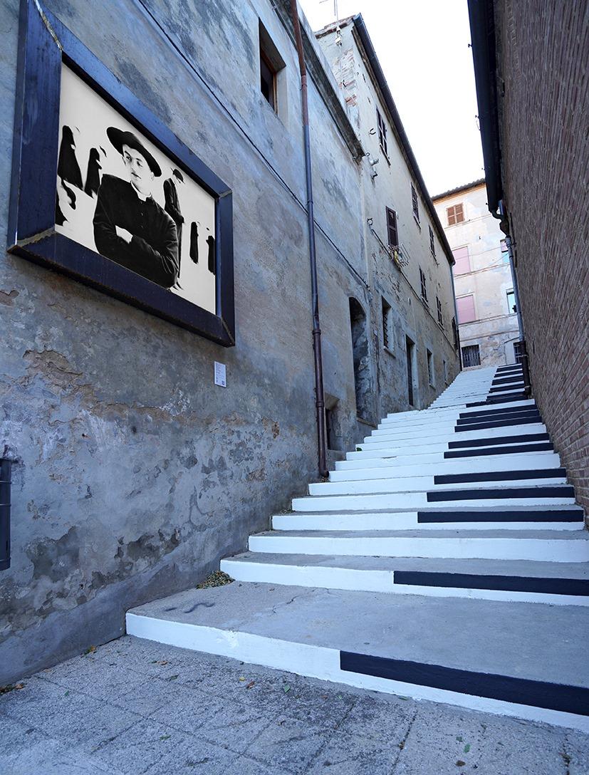 Street art, il centro storico di Mondolfo diventa una galleria senza soffitto