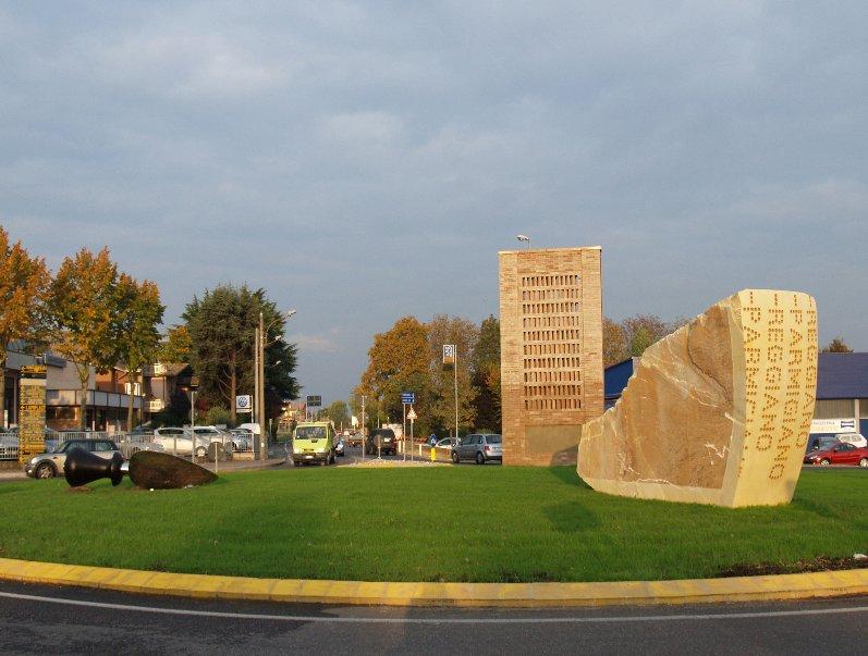 Monumento al parmigiano reggiano (Bibbiano, Reggio Emilia)