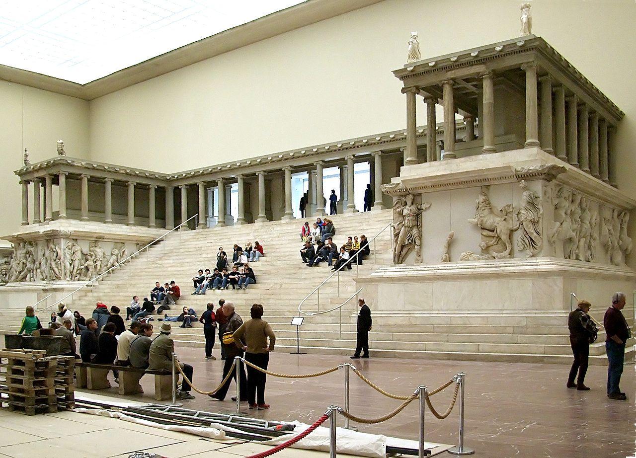 Cosa sappiamo al momento sul mega-vandalismo ai musei di Berlino?