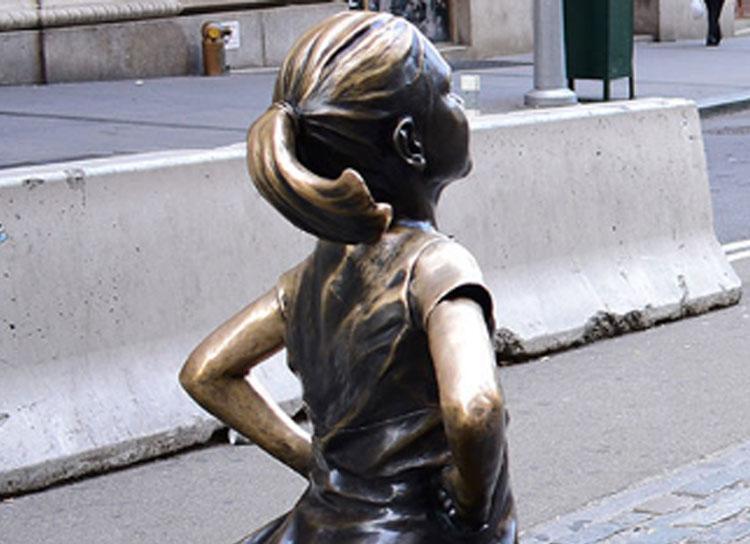 Una statua dedicata a bambine e ragazze vittime di violenza. Lanciata una petizione al sindaco di Milano