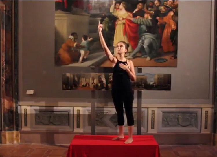 Stretching ispirato alle opere d'arte. L'idea social dei Musei Civici di Jesi