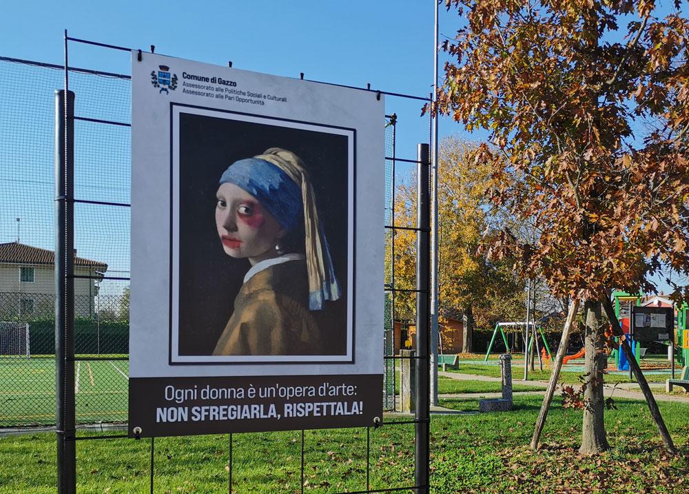 Volti sfregiati alle donne più famose dell'arte: la campagna antiviolenza di Gazzo